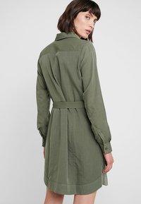 Banana Republic - UTILITY - Abito a camicia - flight jacket - 2