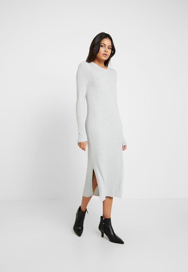 COLUMN DRESS - Abito in maglia - light grey heather