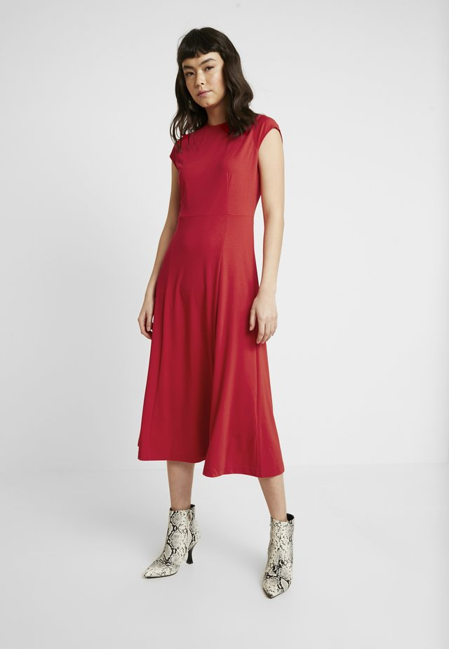 SOLID - Jerseykleid - ultra red