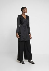 Banana Republic - WRAP SHEATH SOLID SOFT - Day dress - black - 2