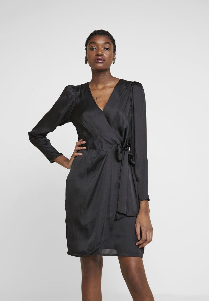 Banana Republic - WRAP SHEATH SOLID SOFT - Day dress - black