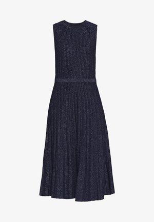 METALLIC STRIPE - Stickad klänning - navy