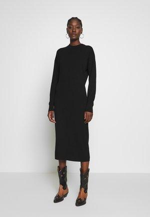 DOLMAN SHEATH SOLID - Pletené šaty - black
