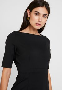 Banana Republic - BOATNECK PONTE SHEATH - Shift dress - black - 4