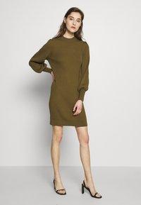 Banana Republic - CREW PUFF SHEATH - Jumper dress - cindered olive - 1