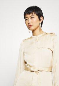 Banana Republic - TRENCH MAXI DRESS - Robe chemise - wheat - 4
