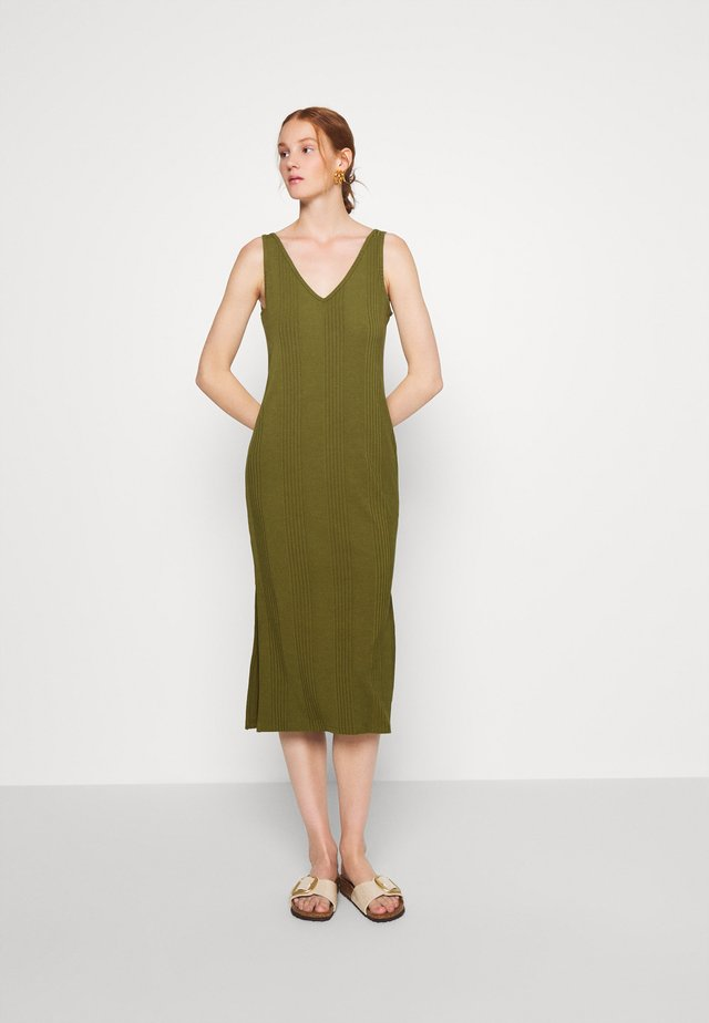 DOUBLE V COLUMN - Vestito di maglina - jungle olive