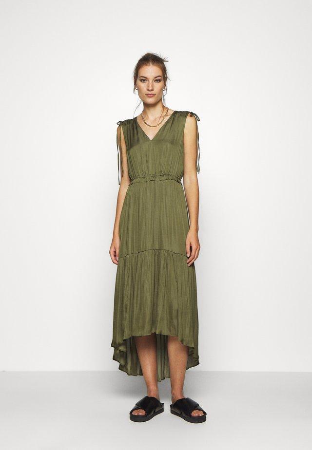 SOFT SOLID - Vestido informal - jungle olive