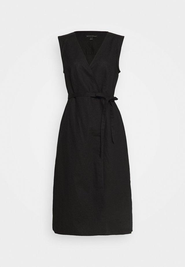 WRAP - Day dress - black