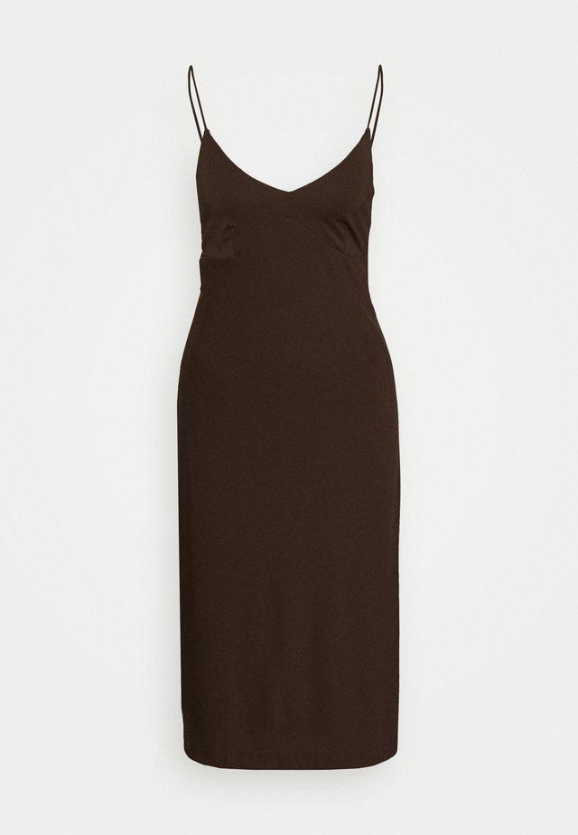 STRAPPY SLIP - Vestito di maglina - dark mahogany