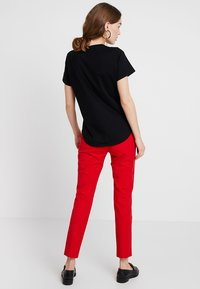 Banana Republic - SUPIMA CREW RELAUNCH - T-shirt basic - black - 2
