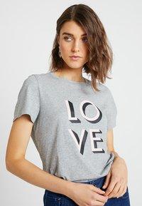 Banana Republic - CREW LOVE - T-shirt con stampa -  grey - 4