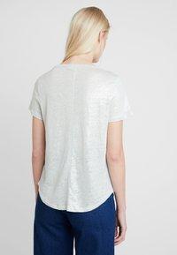 Banana Republic - FOIL TEE - Print T-shirt - dusty aqua - 2