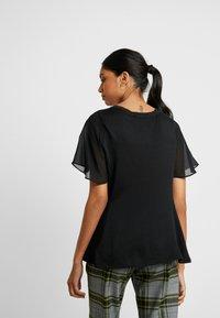Banana Republic - MIXED MEDIA TEE - T-shirt con stampa - black - 2