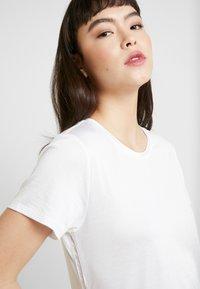 Banana Republic - ELEVATED TEE - T-shirt basic - white - 3
