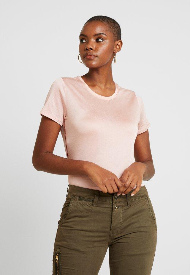 ELEVATED TEE - T-shirt - bas - blush