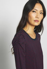 Banana Republic - RUCHED PUFF SLEEVE THREADSOFT - Long sleeved top - navy/red - 3
