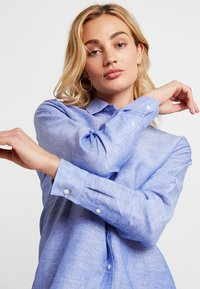 Banana Republic - DILLON SOLIDS - Camicia - chambray - 3