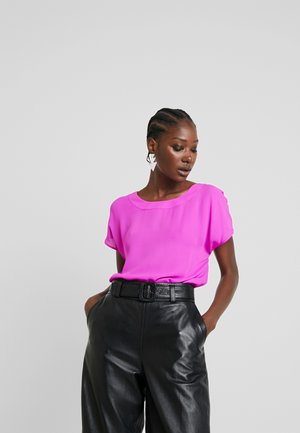 PLEAT BACK CREW BLOUSE - Camicetta - royal fuchsia