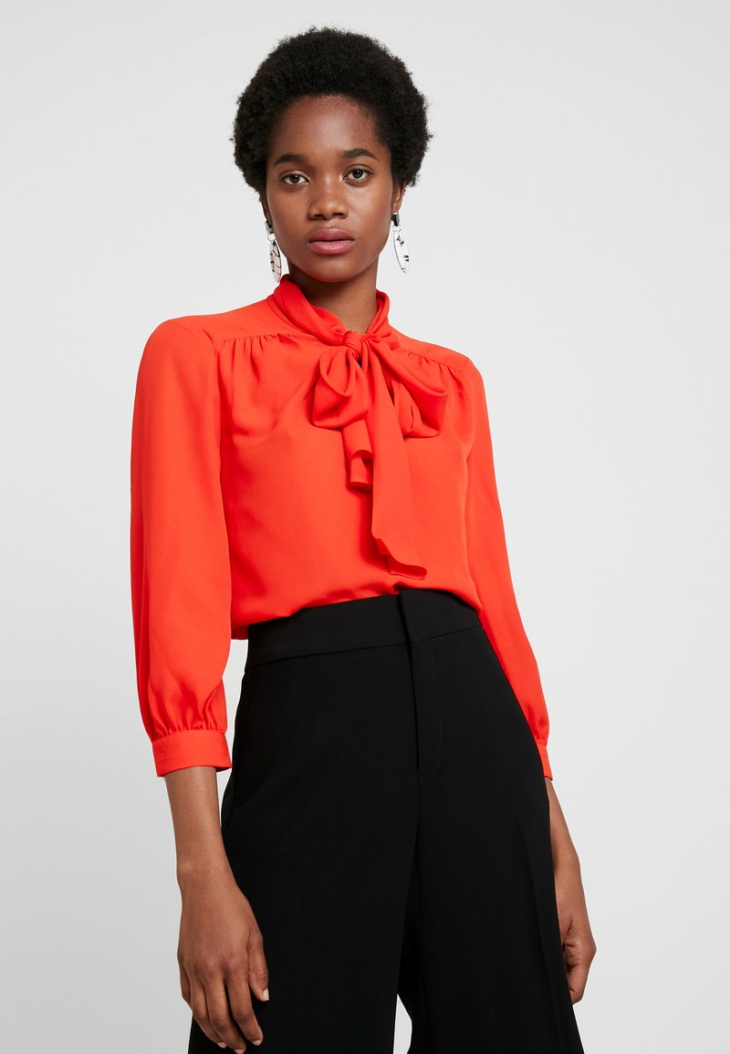 Banana Republic - 3/4 SLEEVE TIE NECK BLOUSE - Blusa - hot red