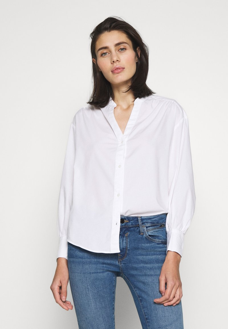 Banana Republic - SHIRRED VOLUME SLEEVE BUTTON UP - Button-down blouse - white