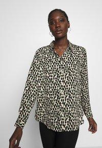 Banana Republic - DILLON PRINTS - Button-down blouse - beige - 3