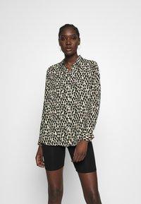 Banana Republic - DILLON PRINTS - Button-down blouse - beige - 0