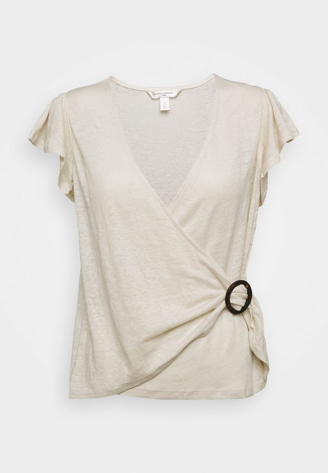 WRAP WITH TORTOISE HARDWARE - T-shirt imprimé - sand