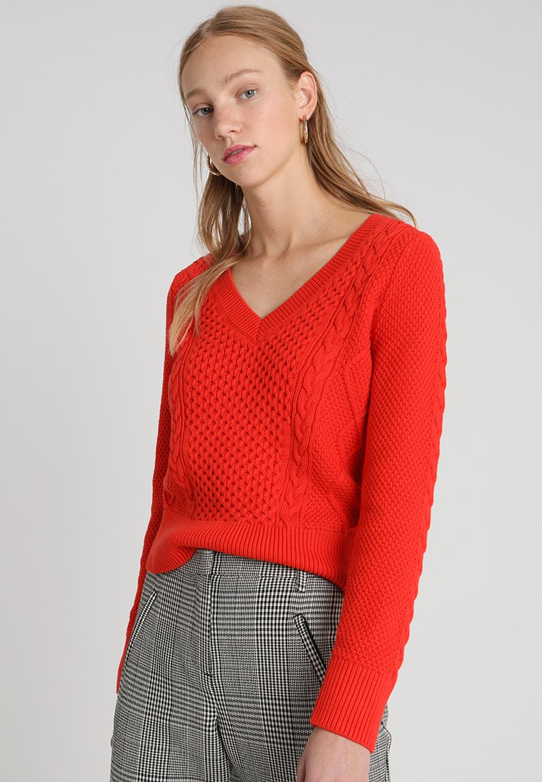 Banana Republic - CLEAN CABLE VEE - Jumper - blood orange