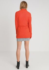 Banana Republic - AIRE BELTED PIECE - Cardigan - blood orange - 2