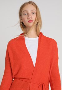 Banana Republic - AIRE BELTED PIECE - Cardigan - blood orange - 3