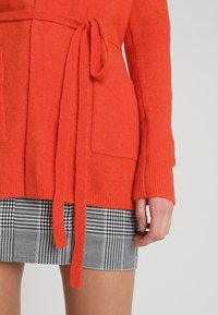 Banana Republic - AIRE BELTED PIECE - Cardigan - blood orange - 5