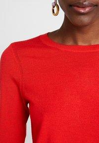 Banana Republic - CREW - Stickad tröja - reddish orange - 5