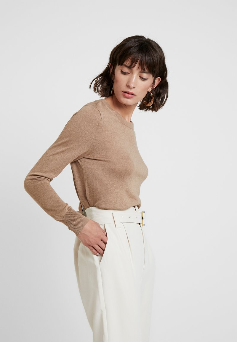 Banana Republic - CREW SOLIDS - Neule - camel
