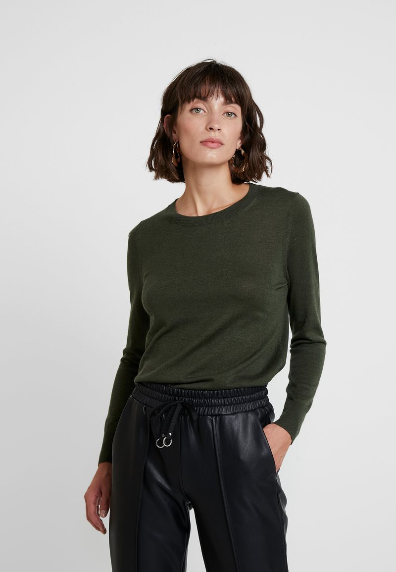 Banana Republic - CREW SOLIDS - Strickpullover - olive