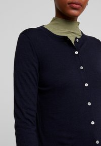 Banana Republic - CREW CARDIGAN - Kardigan - navy - 5