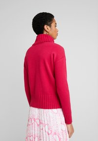 Banana Republic - BEST TRIM TURTLENECK SOLIDS - Maglione - night fuchsia - 2