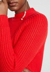 Banana Republic - RAGLAN MOCKNECK SOLIDS - Jumper - true red - 5