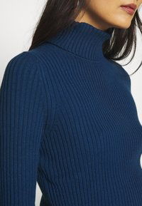 Banana Republic - TURTLENECK - Jersey de punto - deep blue - 4