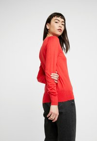 Banana Republic - CREW SOLIDS - Jumper - hot red - 2