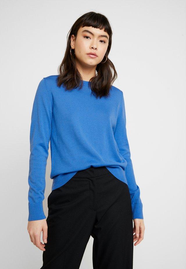 CREW SOLIDS - Strickpullover - bright blue