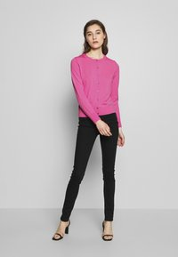 Banana Republic - CREW CARDIGAN SOLIDS - Cardigan - miami pink - 1