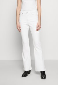 Banana Republic - FULL FLARE  - Jeans bootcut - white - 0
