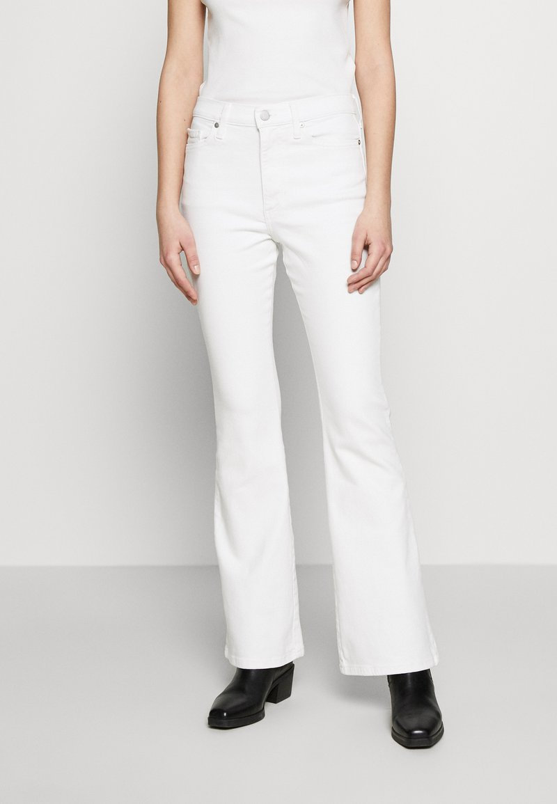 Banana Republic - FULL FLARE  - Jeans bootcut - white
