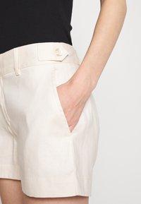 Banana Republic - UTILITY - Shorts - offwhite - 4