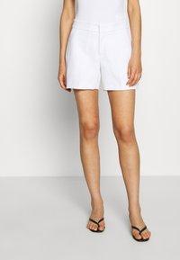 Banana Republic - CLEAN - Shorts - white - 0