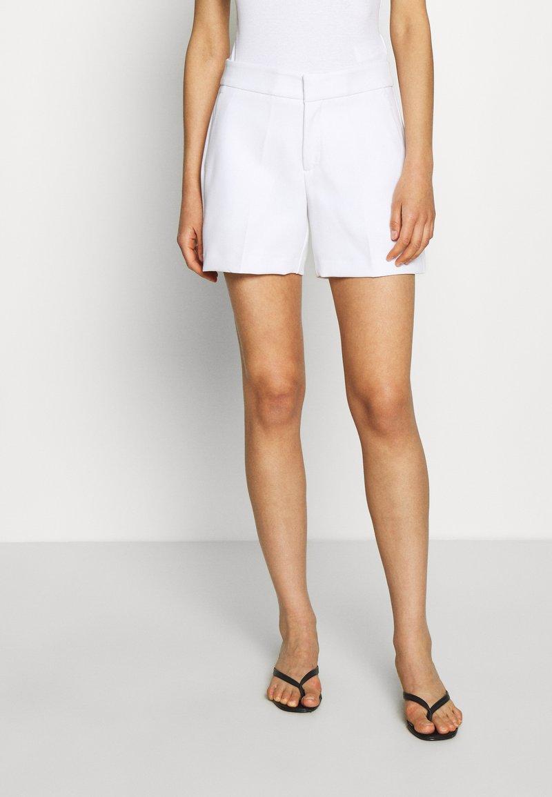 Banana Republic - CLEAN - Shorts - white