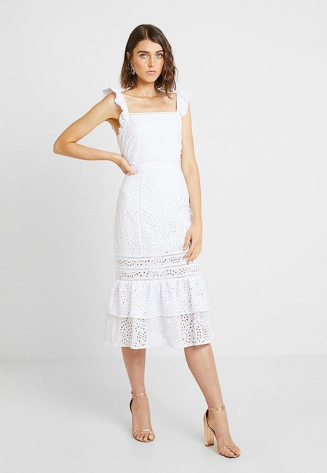 EYELET SHEATH - Korte jurk - white