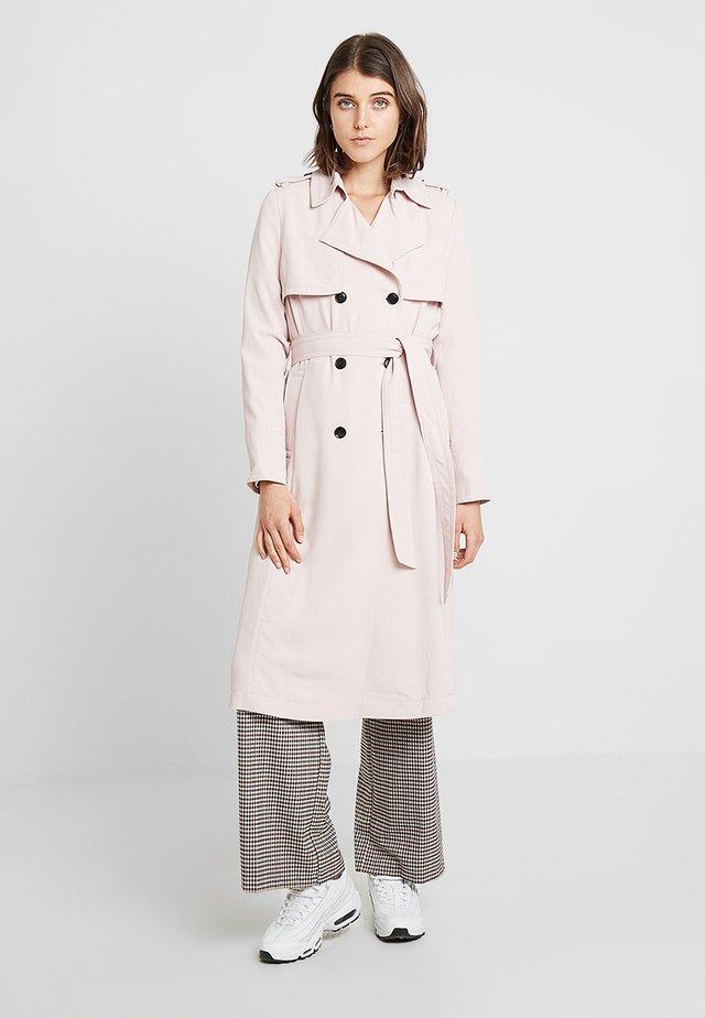 MAXI - Trenchcoat - pink blush