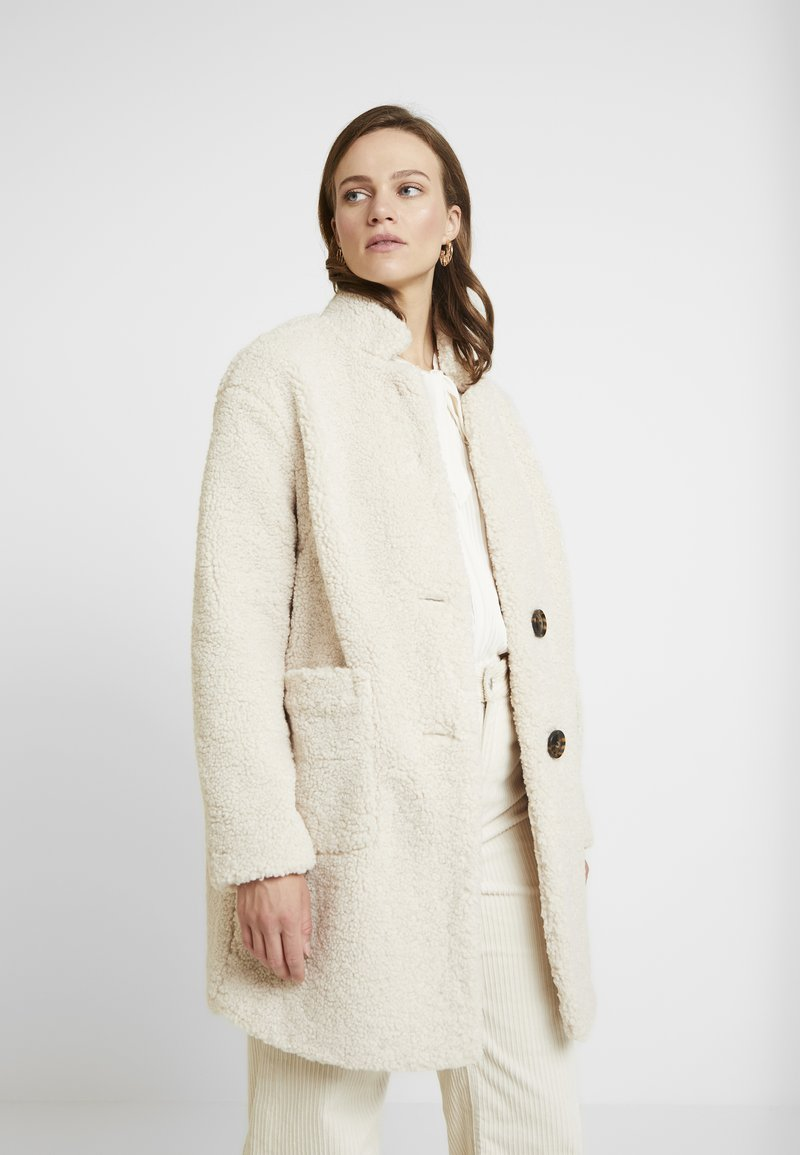 Banana Republic - TEDDY CAR COAT - Cappotto classico - new off white